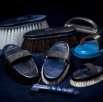 Eqclusive Alan Davies' Signature Pack of Brushes